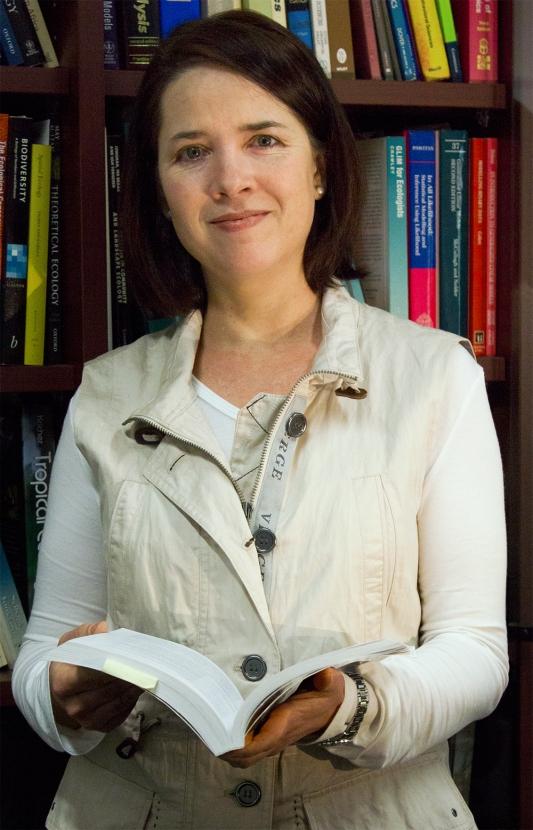 Dr Melodie McGeoch [image: H. Coetzee]